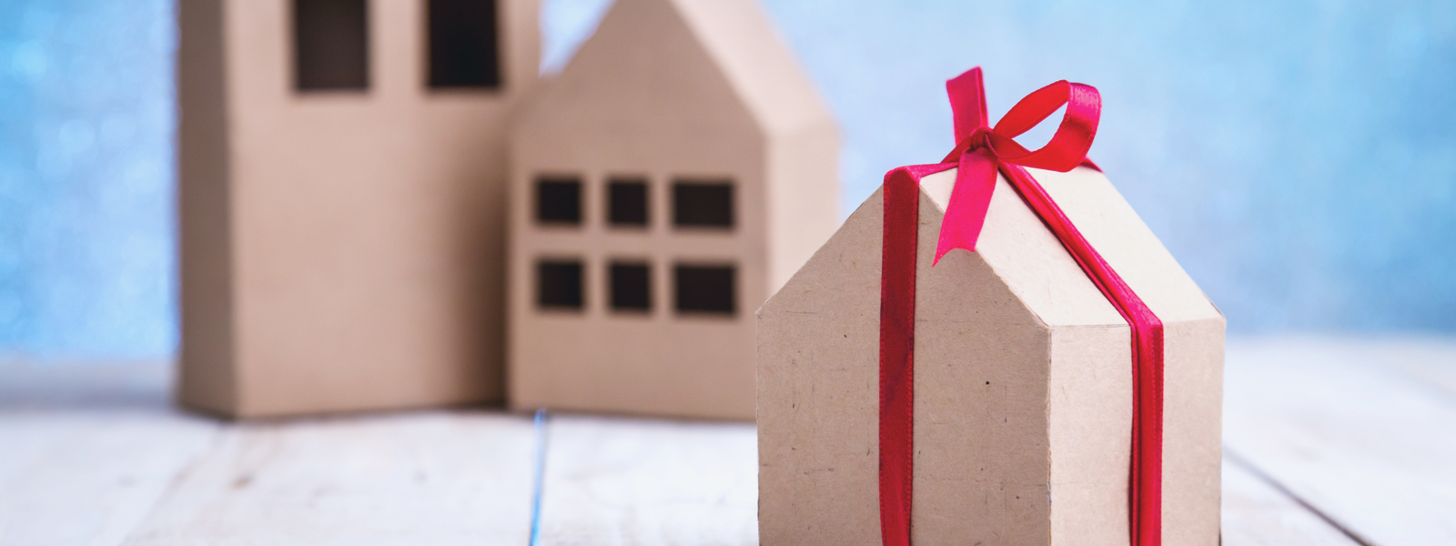 Personalized closing gifts for clients through Transactions-bg
