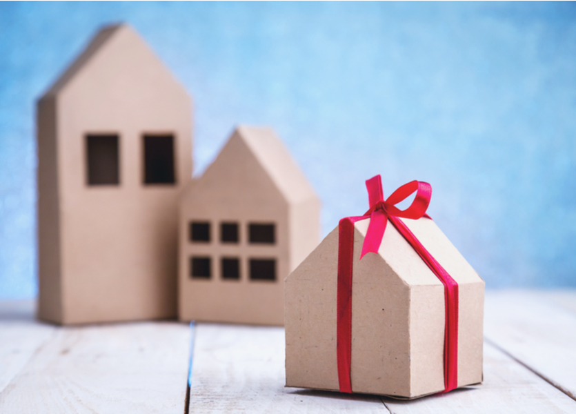 Personalized closing gifts for clients through Transactions